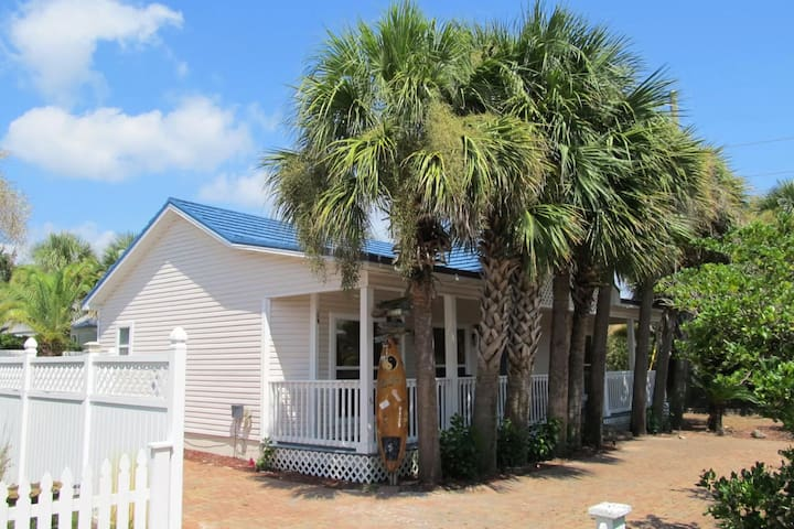 Lovely dog-friendly home with private pool and gas grill - close to the beach!