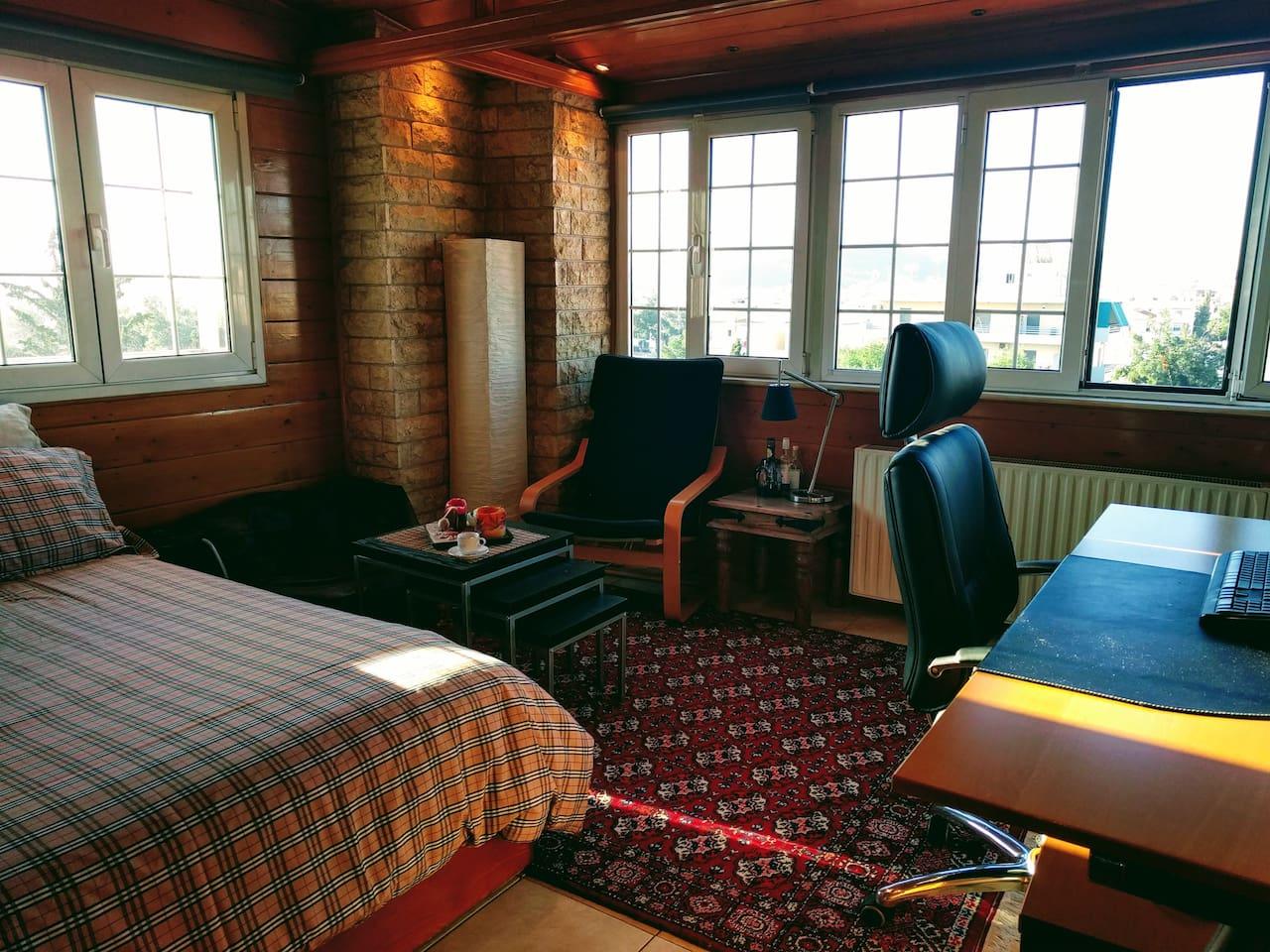Sunny, wooden loft by winter. It's cozy ah?