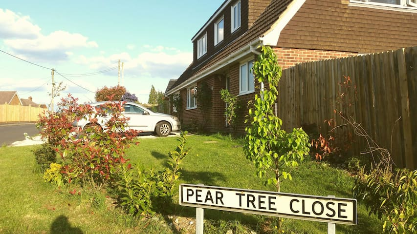 Pear Tree family home - Botley - Haus