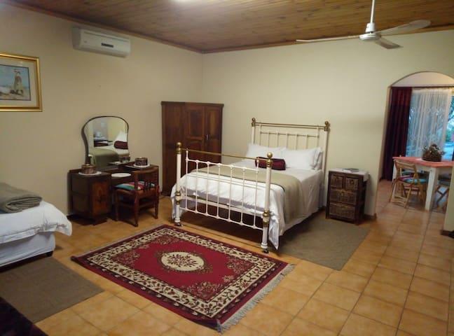 Anri Guesthouse - Garden Room