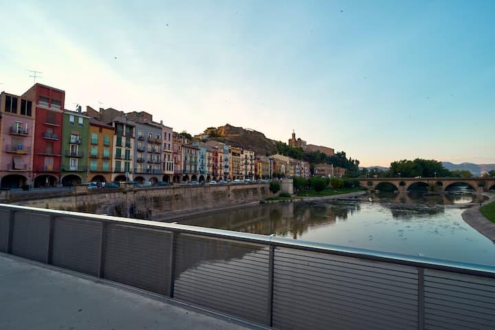 Apartamento frente al río Segre, en Balaguer.