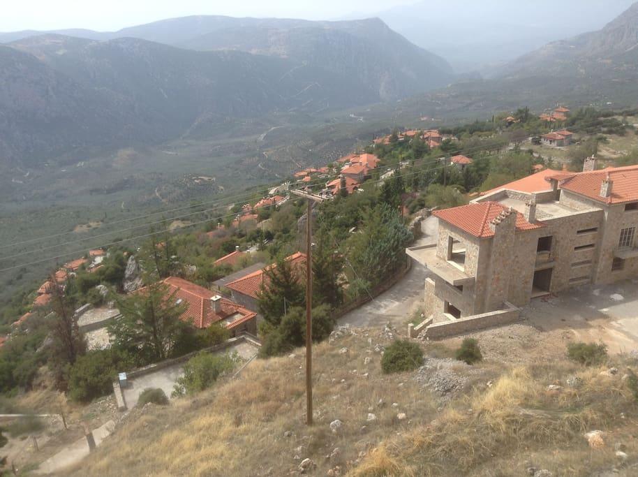 """Πανοραμική φωτογραφία του συγκρότηματος ''Kastalia village""""-Panoramic photo of the complex ''Kastalia village"""""""