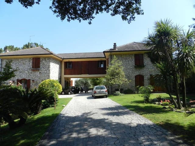 Country Villa in Rome - Santa Lucia
