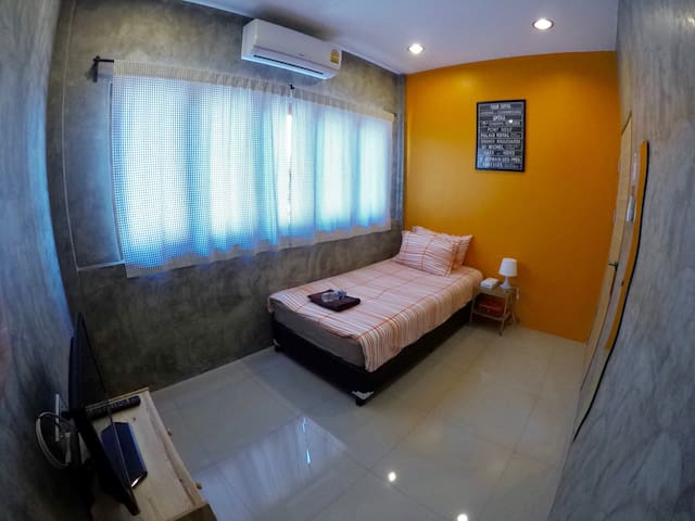 Homely & Peaceful in Prime Location - Chiang Mai - Hus