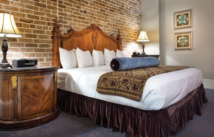 Wyndham La Belle Maison * 2 BR Presidential Suite