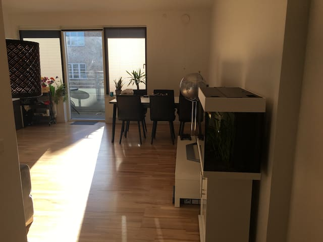 Shared room in shopping area with train station - Kongens Lyngby - Flat