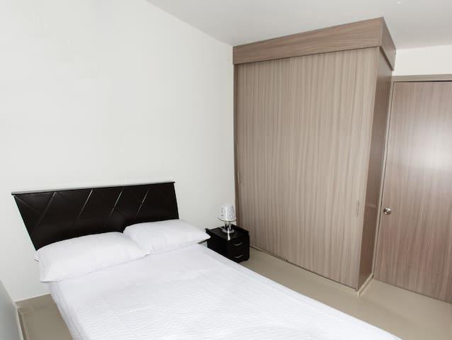 Habitación sencilla 2/ Single bedroom 2