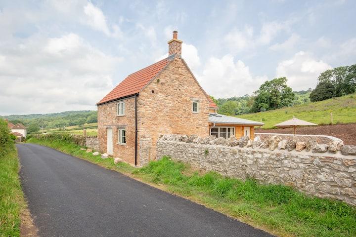Lilac Cottage, a Mendip delight
