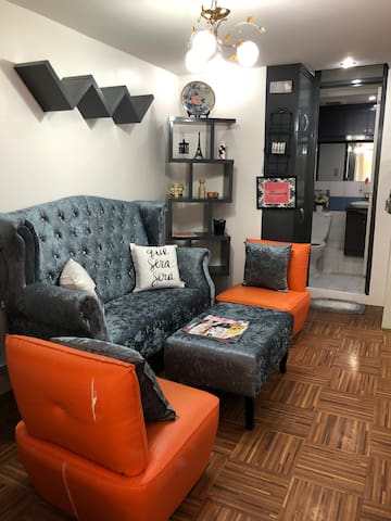 Cozy Modern fully furnished 1 Bedroom condo unit
