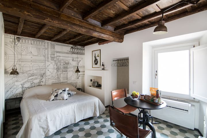 """Colosseo Loft """"Antiqua Suite"""""""