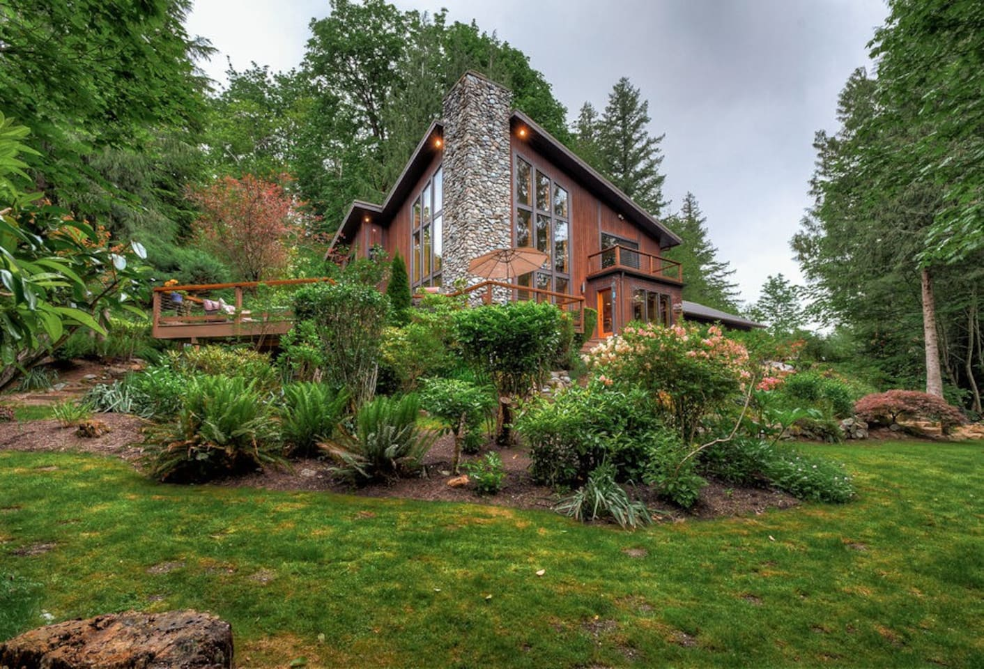 Welcome to Wallace Falls Retreat! Luxury on the river, surrounded by wilderness