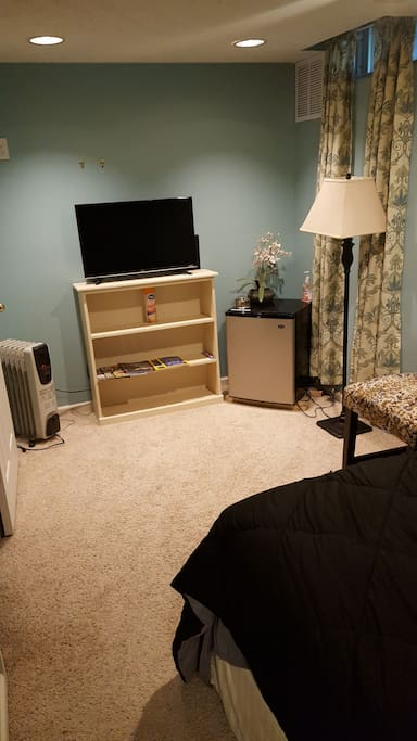 TV, Heater, Fan, Mini Fridge in bedroom!