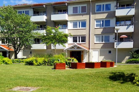 Fully-furnished apartment with a terrace - Gotemburgo