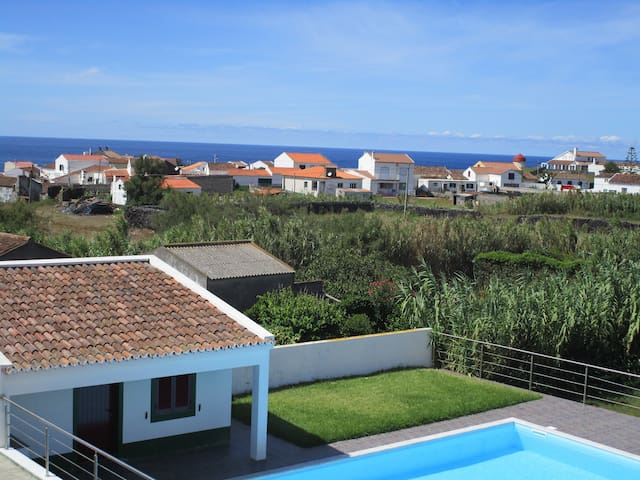 Great Villa near the beach + Pool - Mosteiros