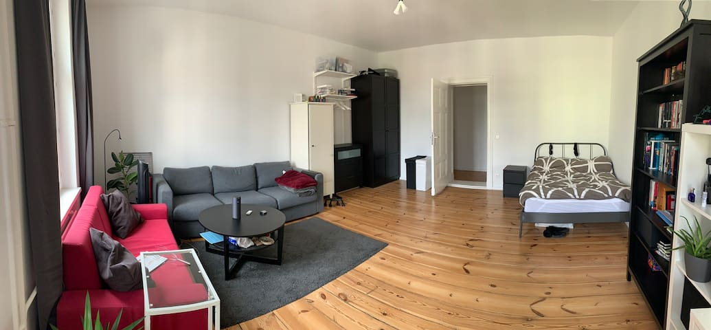 Well connected 1 studio apartment near Mitte