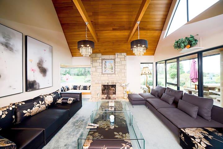 Living Area - c