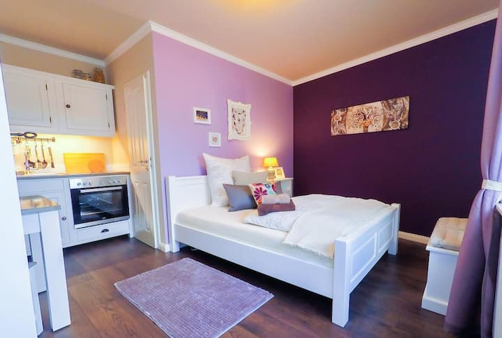 Apartment Purple Nr.9 bei Koeln Messe Bonn Phantasialand