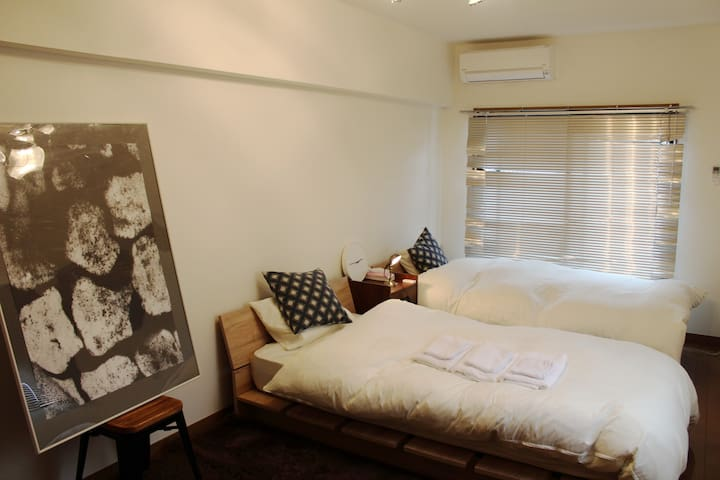 "10 mins walk to Canal City / ☆""SIMMONS"" BED Room☆"