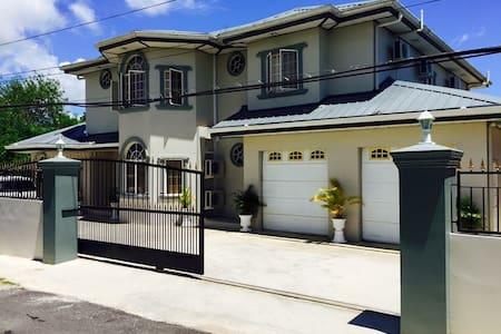 Secure&Gorgeous Home in Phillipine.5Rooms,4Baths - Phillipine