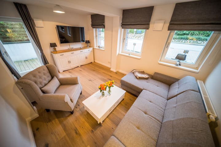 Luxuriös, modernes Apartment in Strandnähe