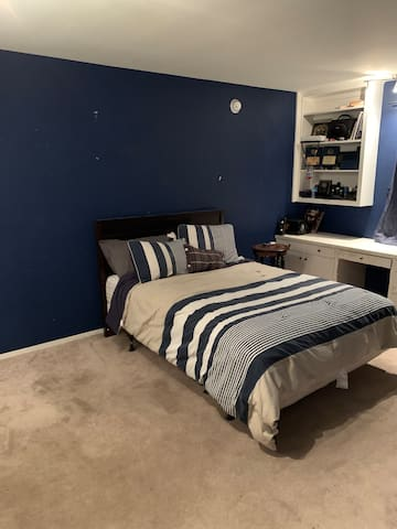 Private bedroom in Beverlywood. Great area