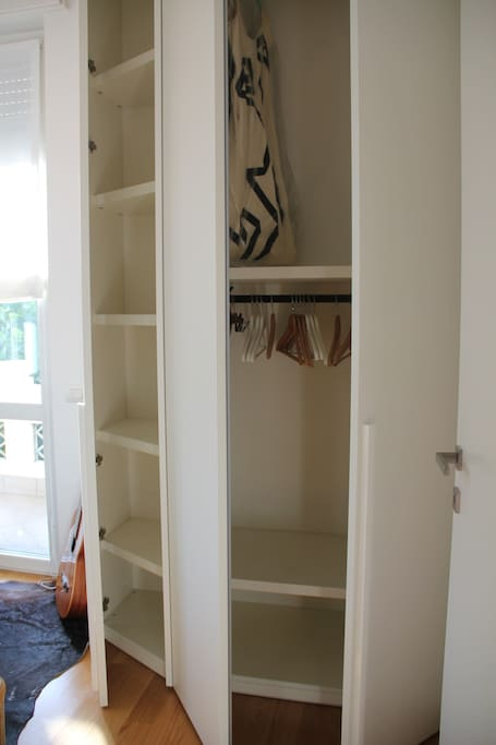 Armadio capiente - Spacious cupboard