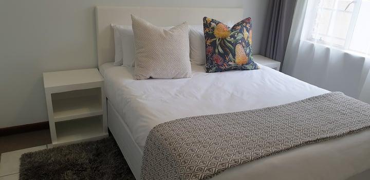 Modern 2 bed apartment in Centurion, Gautrain area