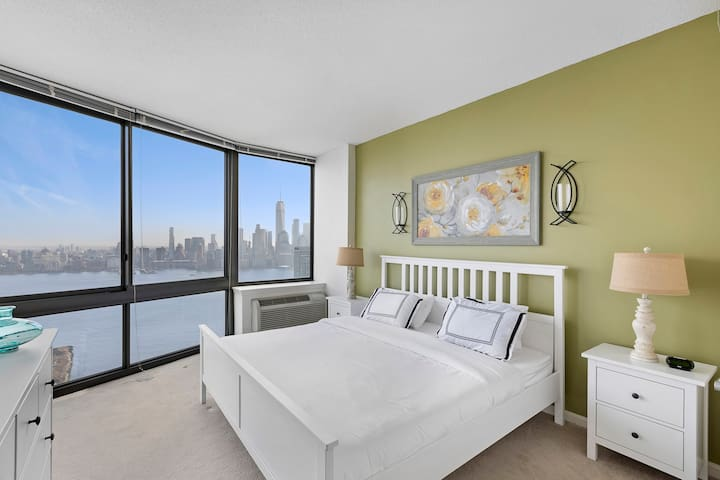Stunning NYC Views,Modern Apt in Luxury Bldg-MNN2B