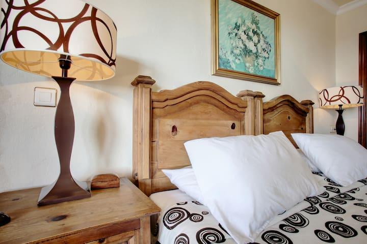 Spectacular Country House/ Espectacular Casa Rural - Casares - Casa