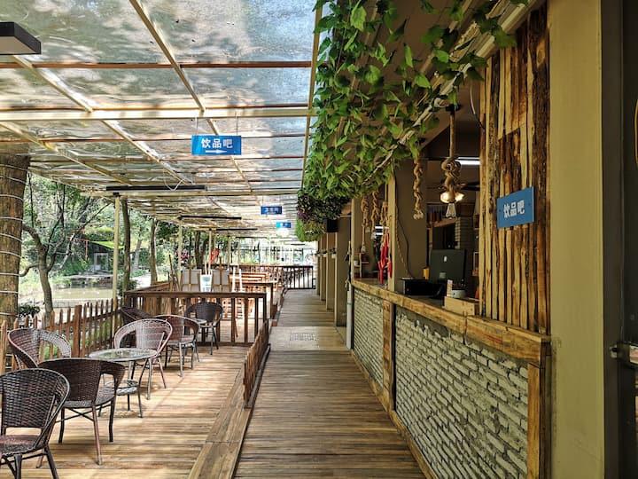 圣文欢乐谷森林民宿|天然养吧|避暑山庄|景区内|山泉水窗边顺溪而下|生态住宿  亲子+团建+聚会
