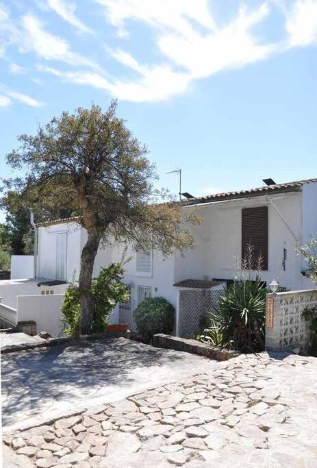 Casa con bonitas vistas al mar adosados en alquiler en - Alquiler de apartamentos en tossa de mar particulares ...