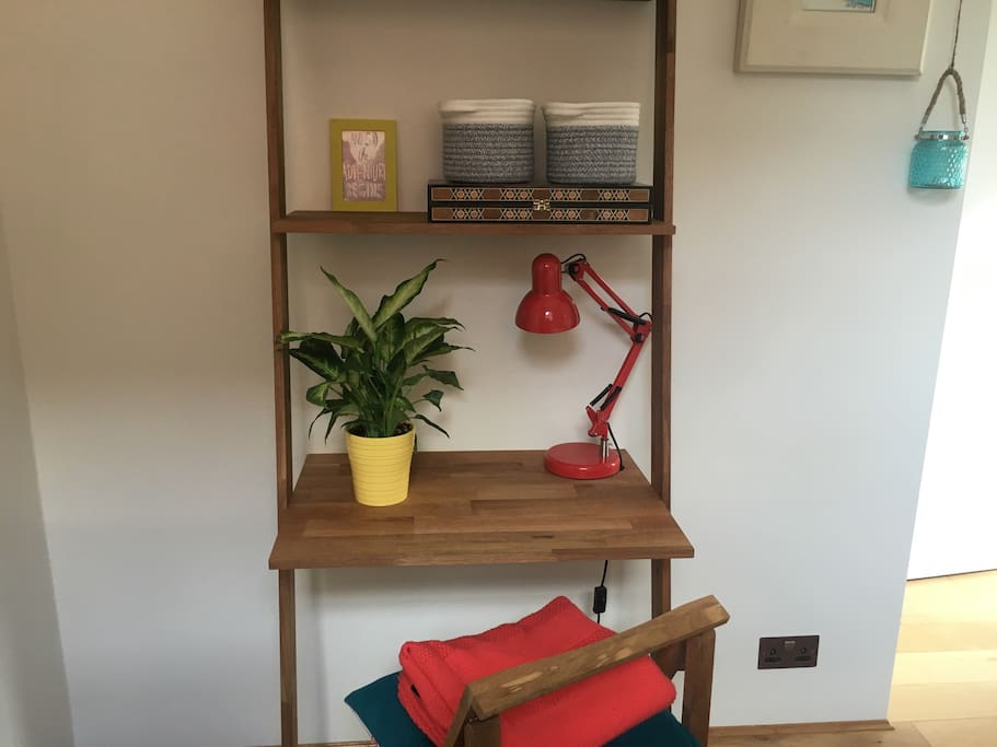 Desk space in The Boho Room to work or browse the web
