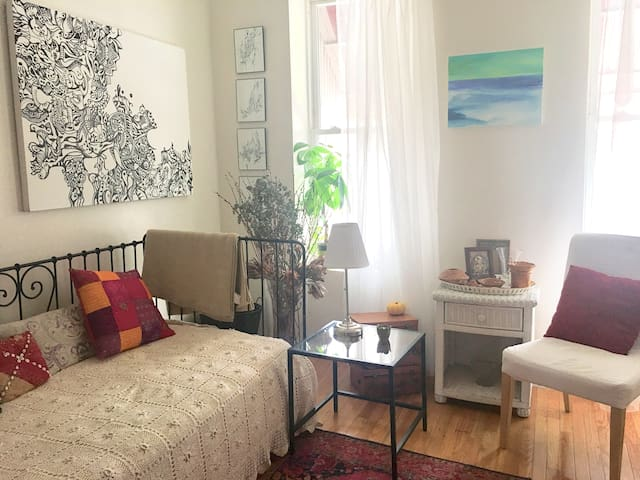 Charming Room Sunset Park Industry City  Brooklyn