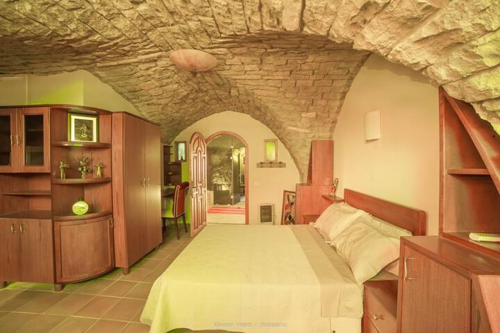 Samara, a unique vaulted suite