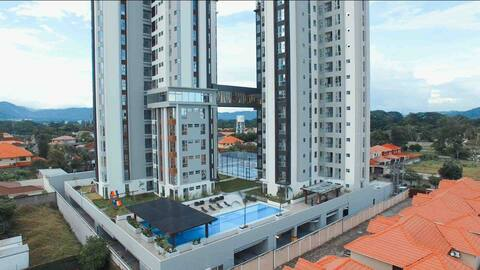 Small Executive Condominium with Amazing View!