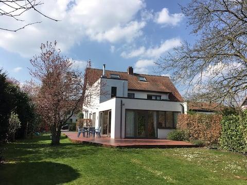 lisbeth's house for families, big garden,  Antwerp