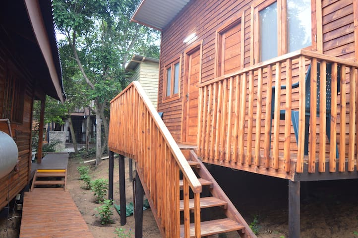 Leomar-Ponta do Ouro Garden View Lodge T0 chalet 6
