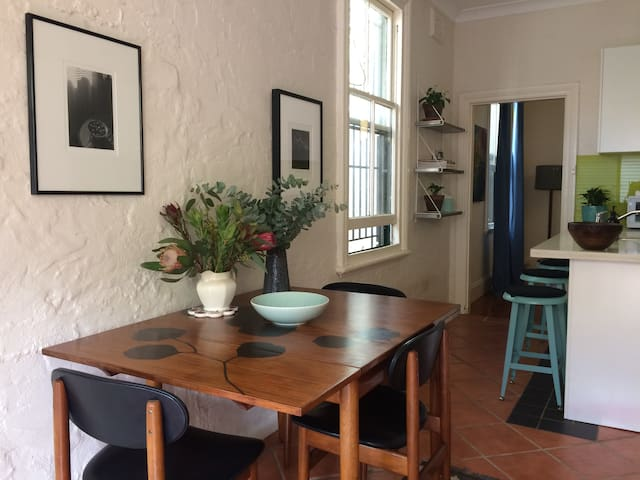 Charming 2 bedroom terrace in the heart of Newtown