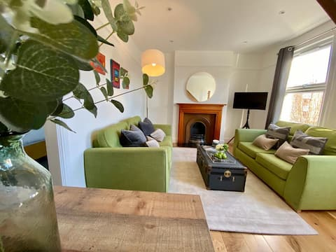 Beautiful,Chic 3 bed apartment near Greenwich