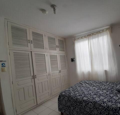 Habitación en casa espaciosa