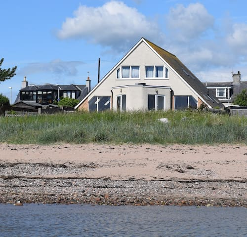 Hawthorn Cottages East by the Beach