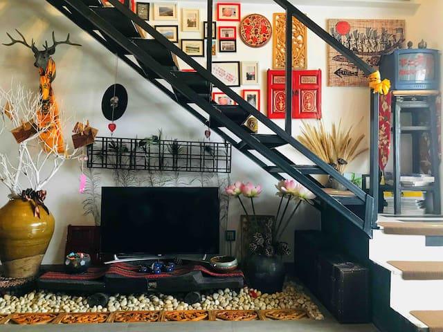 【不二海居】与亲朋好友私享畅销书「丽江慢生活」编辑の家。整套Loft暖宿/高性价比家宴/邻古城观雪山