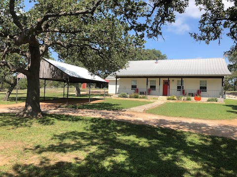Country Bliss Newly Renovated Ranch House