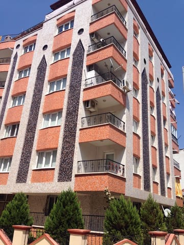 Manisa merkezde 3+1 doğalgazlı lüx - Manisa Merkez - Apartamento