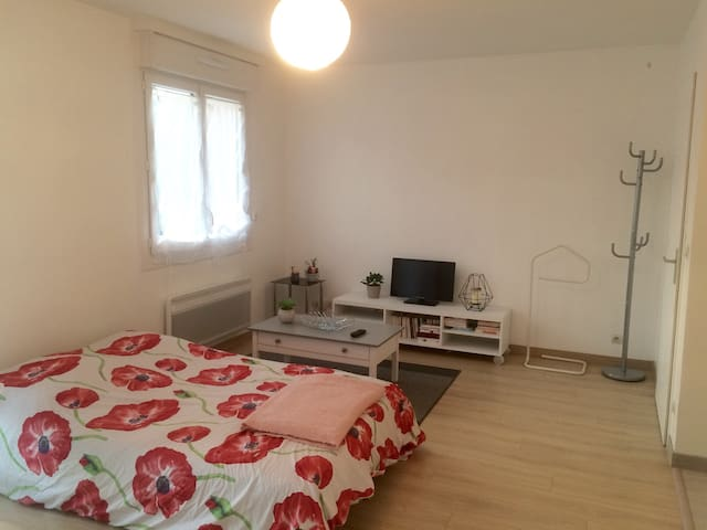 Lovely studio 10 minutes from the center of Lille!