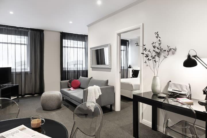 Flinders Lane 14 nights - Family Suite Apartment