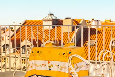NEW! Sunny & Spacious Apartment w/ great balcony - Lisboa - Lejlighed