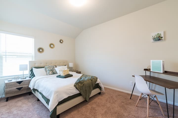 Stylish room#3 in the heart of top DFW attractions