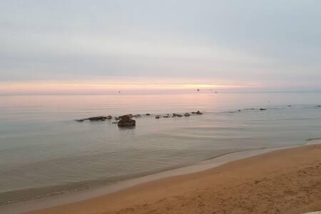 Bungalow indipendente sulla spiaggia a Crotone