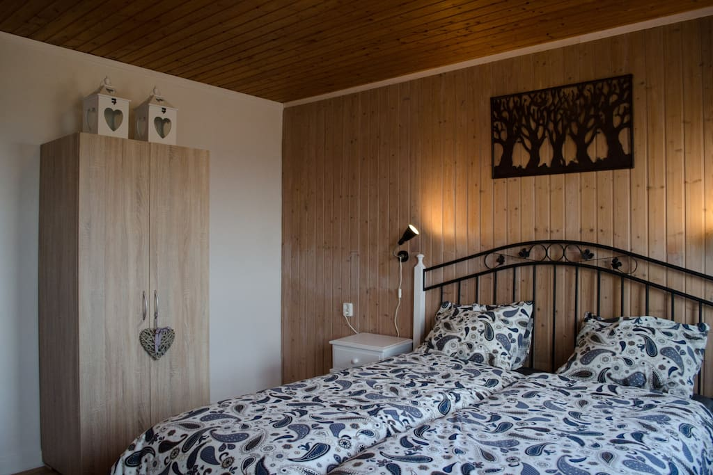 """Zimmer / Kamer / Room 1: """"Burgturm"""""""